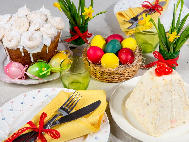Пасхальные рецепты: ТОП-3 праздничных блюд + техника росписи яиц воском своими руками