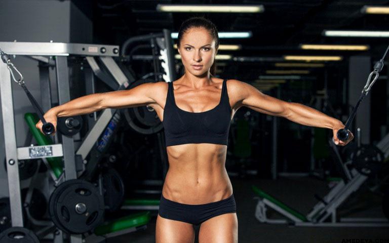 Тренировки для девушек в тренажерном зале: как правильно работать с «железом»? Советы тренера.