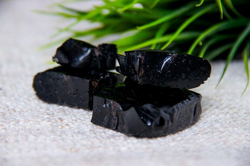 Мумие — уникальное природное средство, о свойствах которого мало кто знает